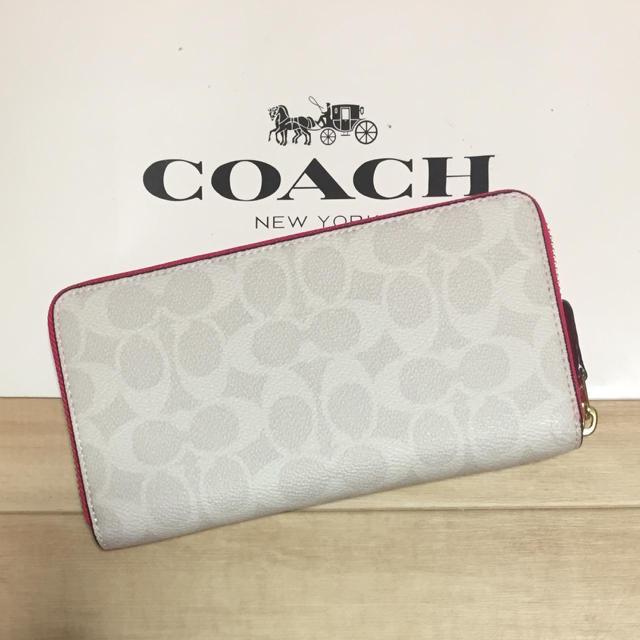 COACH(コーチ)の新作!新品 [COACH コーチ] 長財布 ホワイトシグネチャー  ピンク レディースのファッション小物(財布)の商品写真