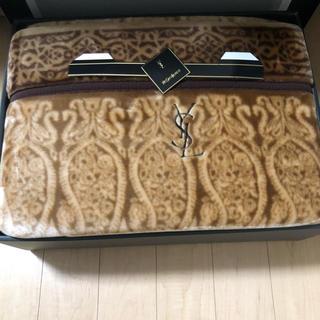イヴサンローランボーテ(Yves Saint Laurent Beaute)のYVESSANTLAURENT 贈答品毛布(毛布)