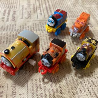 フィッシャープライス(Fisher-Price)のミニミニトーマス スーパーヒーロー トーマス(電車のおもちゃ/車)