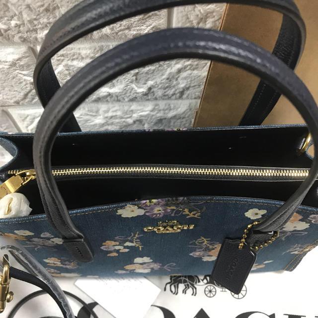COACH(コーチ)の新品 コーチ 花柄 フラワー デニム 日本限定発売 デパート品 完売品 レディースのバッグ(ショルダーバッグ)の商品写真