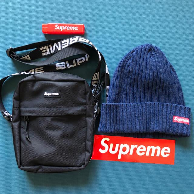 Supreme(シュプリーム)のバッグ、ビーニー メンズのバッグ(ショルダーバッグ)の商品写真