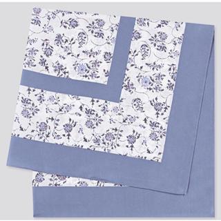 ユニクロ(UNIQLO)の新品 ユニクロ バンダナスカーフ ライトブルー 小花柄 (バンダナ/スカーフ)