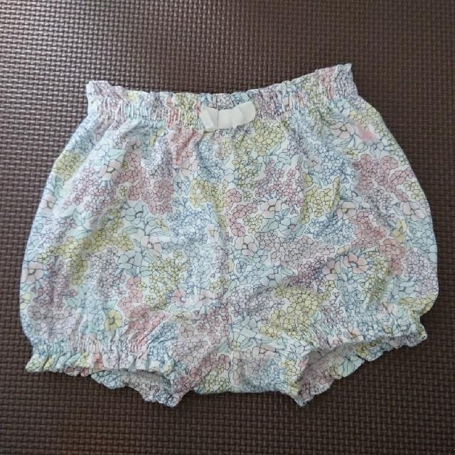 babyGAP(ベビーギャップ)のpipi様専用 baby GAP パンツ 90㎝ キッズ/ベビー/マタニティのキッズ服女の子用(90cm~)(パンツ/スパッツ)の商品写真
