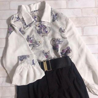 Grimoire - 白 紫系 2枚襟 切り替え メルヘン アート パールボタン レトロ ブラウス
