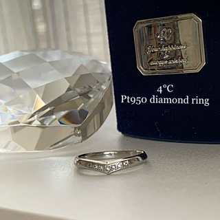 4℃ - 4°C🕊Pt950⚜️緩やかVライン☆ダイヤモンドリング
