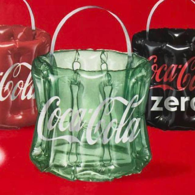 コカ・コーラ(コカコーラ)のコカコーラ オリジナルビーチクーラー エンタメ/ホビーのコレクション(ノベルティグッズ)の商品写真