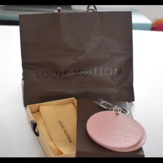 ルイヴィトン(LOUIS VUITTON)の新品未使用ヴィトンエピ バッグチャームミラー35000円(ミラー)