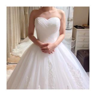 ヴェラウォン(Vera Wang)のウェディングドレス yns wedding オフホワイト(ウェディングドレス)