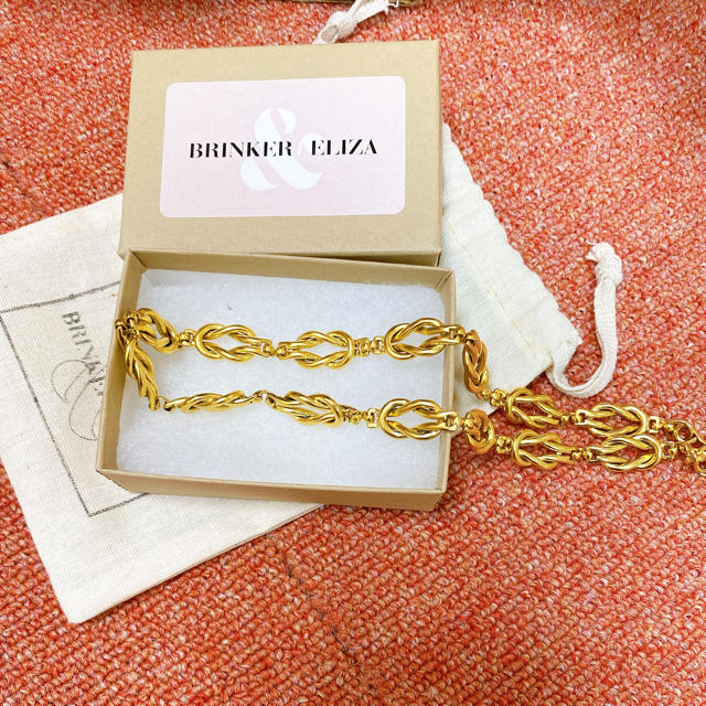 Brinker & Eliza Love Knot Necklace レディースのアクセサリー(ネックレス)の商品写真