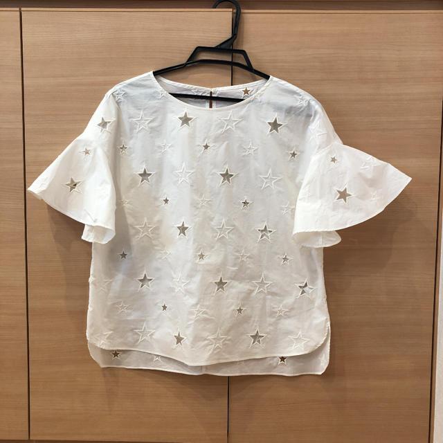GRACE CONTINENTAL(グレースコンチネンタル)のグレースクラス 星 ブラウス レディースのトップス(シャツ/ブラウス(半袖/袖なし))の商品写真