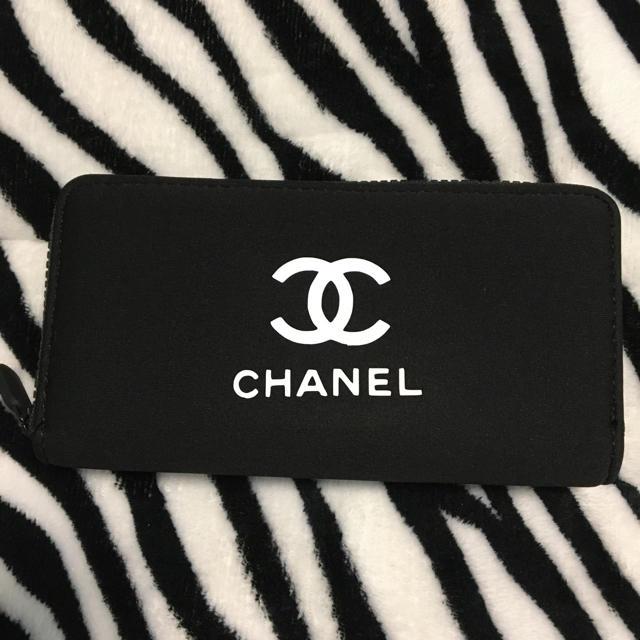 CHANEL(シャネル)のCHANELノベルティ長財布 レディースのファッション小物(財布)の商品写真