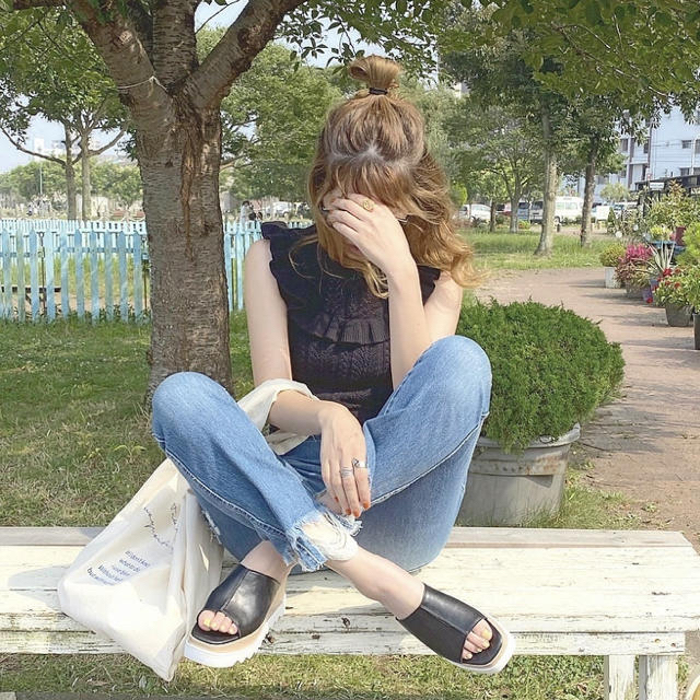 SLY(スライ)のスライ SLY ニットフリルトップス レディースのトップス(カットソー(半袖/袖なし))の商品写真