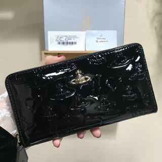 Vivienne Westwood - ヴィヴィアン 長財布 LOGO型押しエナメル長財布  ブラック