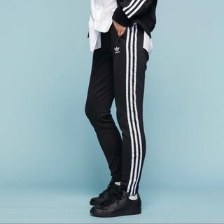 adidas - adidas アディダス オリジナルス SSTトラックパンツ ブラック