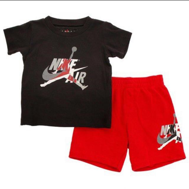 NIKE(ナイキ)の新品未使用NIKEジョーダンセットアップ85cm♡ナイキ半袖Tシャツハーフパンツ キッズ/ベビー/マタニティのベビー服(~85cm)(Tシャツ)の商品写真