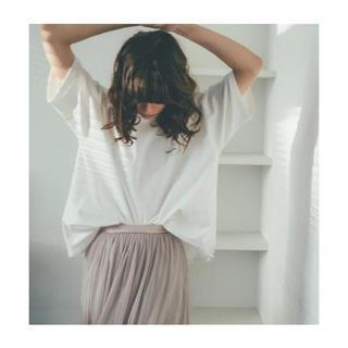 Mila Owen - Mila Owen【新品未使用】FLOWERカラーTシャツ