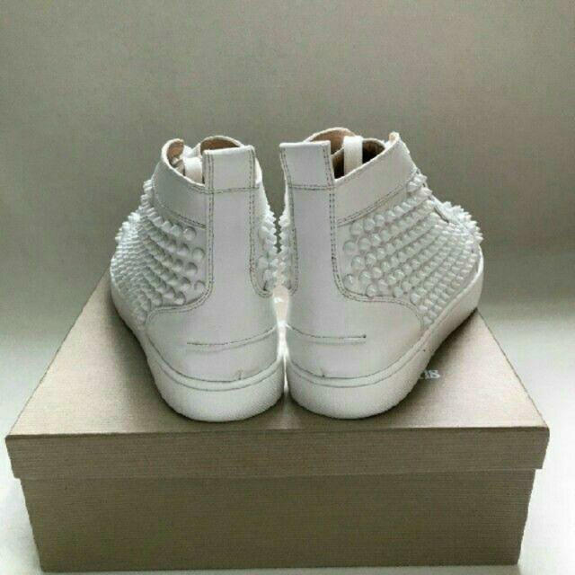 Christian Louboutin(クリスチャンルブタン)の人気爆品 Christian Louboutin スニーカー メンズの靴/シューズ(スニーカー)の商品写真