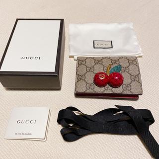 Gucci - GUCCI チェリー付き GGスプリーム 財布