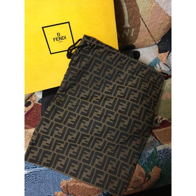 CHANEL(シャネル)の超美品  フェンディ FENDI ズッカ柄 巾着型  ブラウンキャンバス レディースのファッション小物(ポーチ)の商品写真