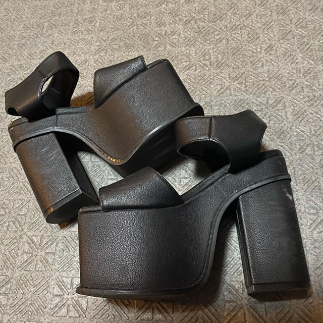 EMODA(エモダ)のEMODA/エモダ/シューズ/サンダル/大人気/即完売/厚底/夏 レディースの靴/シューズ(サンダル)の商品写真