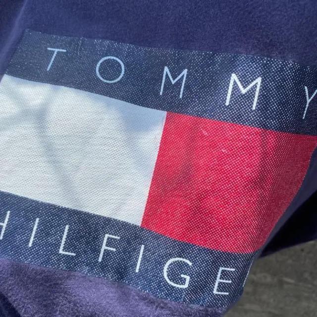 TOMMY HILFIGER(トミーヒルフィガー)の90's TommyHilfiger デカロゴ Tシャツ ストリート 古着 メンズのトップス(Tシャツ/カットソー(半袖/袖なし))の商品写真