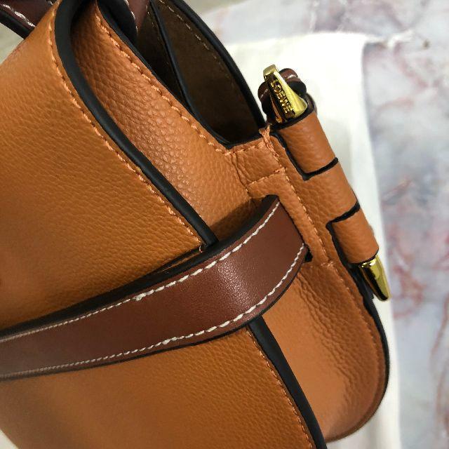 LOEWE(ロエベ)のLoewe ロエベ ゲートバッグ スモール レディースのバッグ(ショルダーバッグ)の商品写真