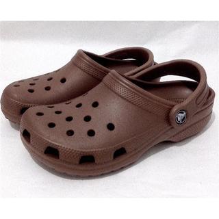 クロックス(crocs)の公式 W7 美品クロックス❤️クラシック クロッグ 23cm  23.5cm(スリッポン/モカシン)