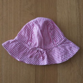 ベビーギャップ(babyGAP)のbaby GAP 帽子 ピンク ギンガムチェック 12-18M 48センチ(帽子)