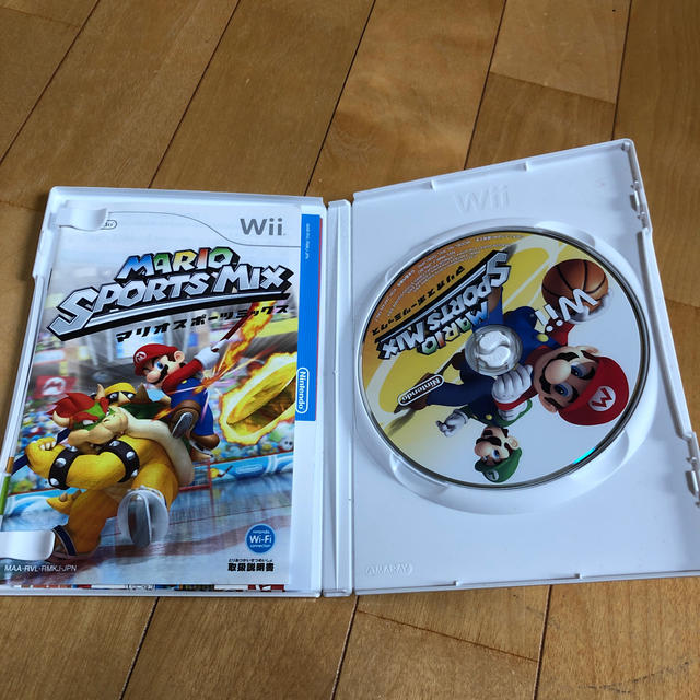 Wii(ウィー)のスコットさま専用 マリオスポーツ ゼルダ エンタメ/ホビーのゲームソフト/ゲーム機本体(家庭用ゲームソフト)の商品写真