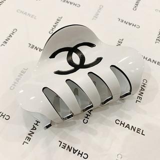 CHANEL - CHANEL シャネル バンス バレッタ ホワイト アクセサリー
