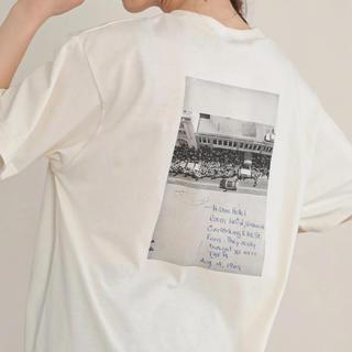 イーハイフンワールドギャラリー(E hyphen world gallery)のE hyphen world gallery Roberta Bayley (Tシャツ(半袖/袖なし))