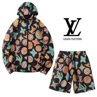 LOUIS VUITTON - ☆特価9500円送料込み☆LOUIS VUITTON パーカー&ショートパンツ