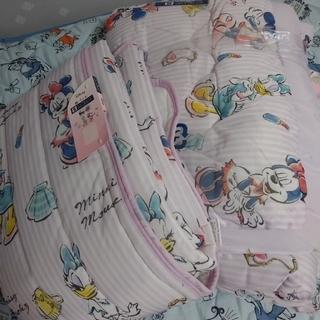 ディズニー(Disney)のDisney ミニー&デイジー 敷きパッド 洗える 肌掛ふとん(布団)