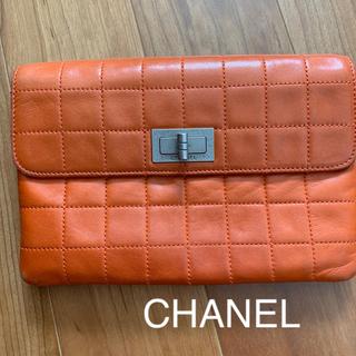 CHANEL - シャネル クラッチバッグ オレンジ