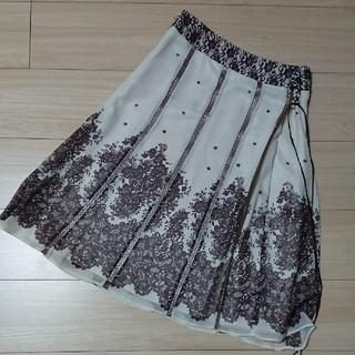 ストラ(Stola.)のタグなし新品未使用品 ピエスモンテ⭐上品スカート(ひざ丈スカート)