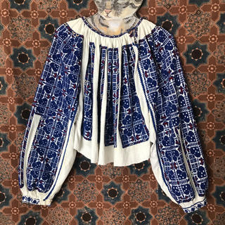 Lochie - ヴィンテージ  ルーマニア 刺繍 ブラウス