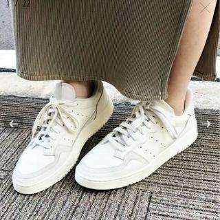 イエナ(IENA)のIENA【adidas / アディダス】別注 SUPERCOURT(スニーカー)