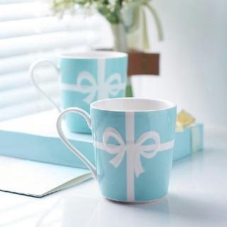 ティファニー(Tiffany & Co.)の新品未使用品 ティファニー リボンマグカップ 2個セット プレート ボウル(グラス/カップ)
