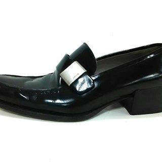 プラダ(PRADA)のプラダ ローファー 37 レディース 黒(ローファー/革靴)