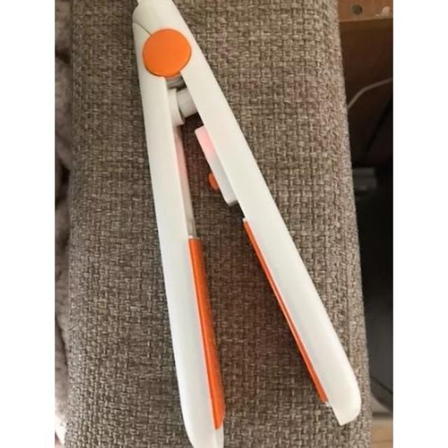 (色:オレンジ)ミニヘアアイロン激安人気 スマホ/家電/カメラの美容/健康(ヘアアイロン)の商品写真