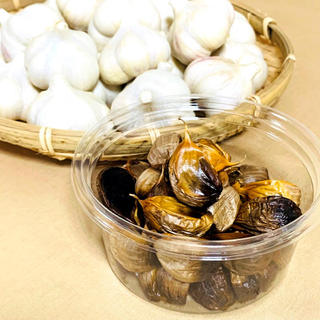 【福地ホワイト六片使用】熟成黒にんにく 約150g 青森県田子町産(野菜)