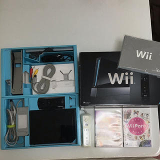 Wii - Wii 本体 (リモコン2つ)+ Wiiパーティー + 戦国無双3