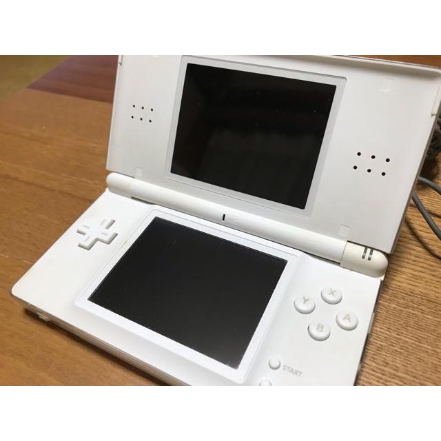 ニンテンドーDS(ニンテンドーDS)のDS 本体 エンタメ/ホビーのゲームソフト/ゲーム機本体(携帯用ゲーム機本体)の商品写真