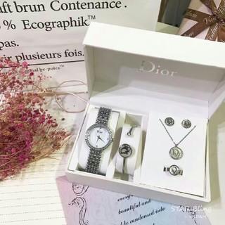 クリスチャンディオール(Christian Dior)の🌸Dior🌸ネックレス 腕時計  ピア ブレスレット 指輪🌸新品5(ピアス)