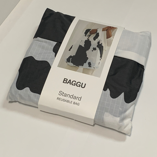 ドゥーズィエムクラス(DEUXIEME CLASSE)の新品未使用 BAGGU Standard 牛 カウ ホワイト×ブラック(エコバッグ)