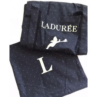 ラデュレ(LADUREE)の❤︎新品未使用 LADURE'E エプロン❤︎(お食事エプロン)