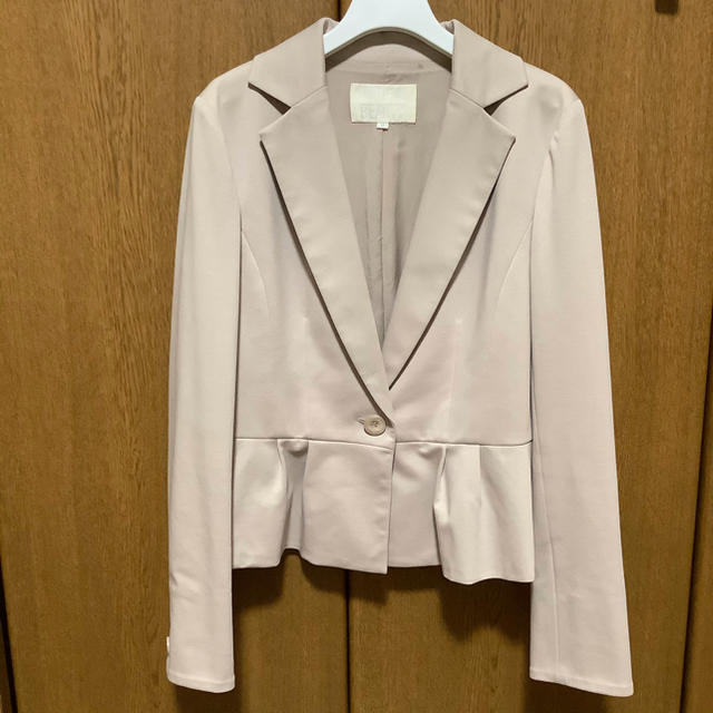 NATURAL BEAUTY(ナチュラルビューティー)のナチュラルビューティー スーツ レディースのフォーマル/ドレス(スーツ)の商品写真