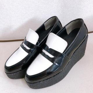 ミラオーウェン(Mila Owen)の【Mila Owen】厚底 エナメル ローファー(ローファー/革靴)
