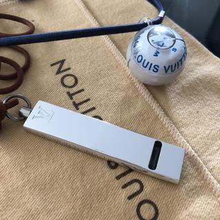 LOUIS VUITTON - ルイヴィトン☆ホイッスルペンダントと方位磁石