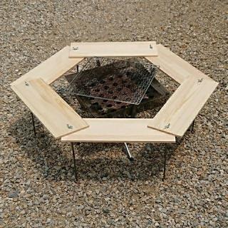 ユニフレーム(UNIFLAME)のBBQ ヘキサテーブル 83×83cm 【組立簡単、軽量、収納コンパクト】(テーブル/チェア)